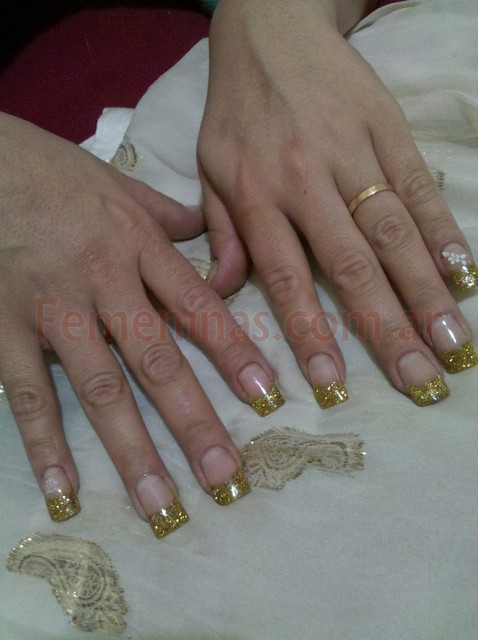 uñas-decoradas-con-brillos- ...