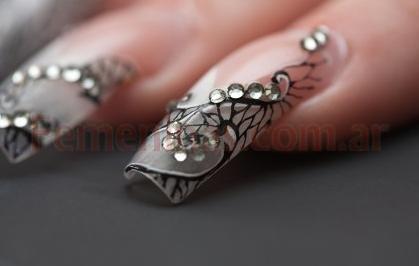 Decoracion de u as con strass y dibujos en decoracion de u as for Unas decoradas con piedras de cristal
