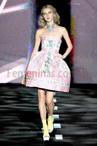 Desfile betsey johnson moda verano 2011 2012 new york for Robes de mariage de betsey johnson