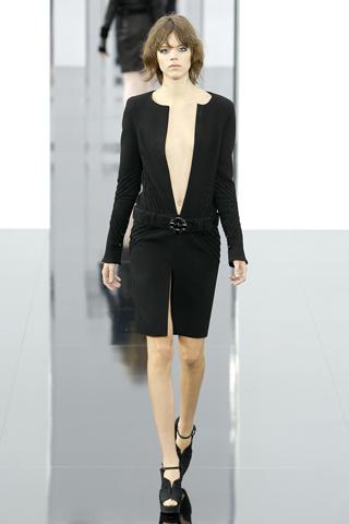 Chanel vestido negro corto