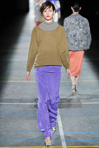 Sweater cuello alto falda larga saten Dries Van Noten