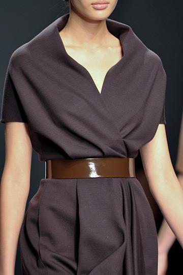 Los cinturones parte esencial del vestuario femenino for El estilo clasico