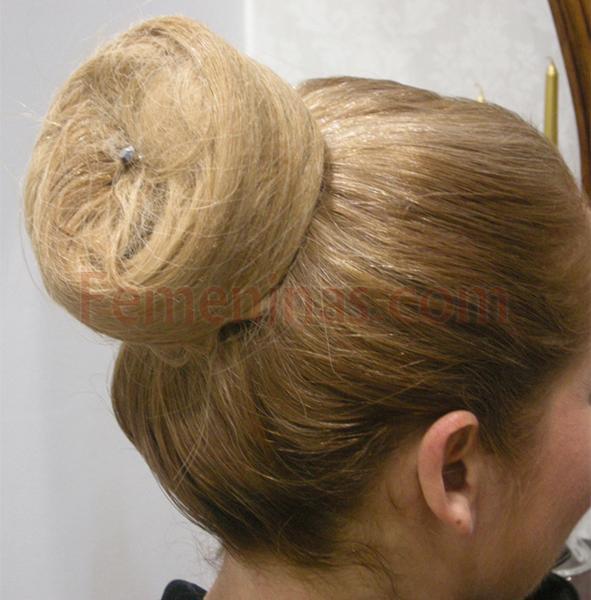 Te mostramos el paso a paso de este peinado para lucir en - Ver peinados de fiesta paso a paso ...