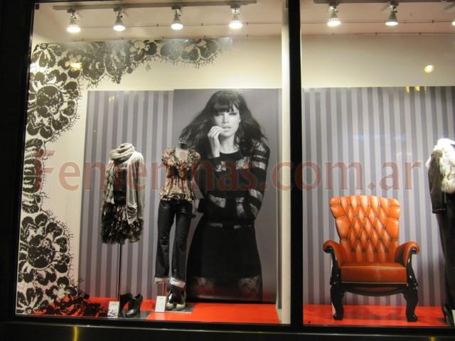 Morgan paris 2011 for Decoracion de vidrieras de ropa