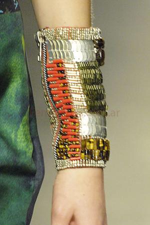 efe3d7e3470d Collares pulseras y aros moda verano 2009