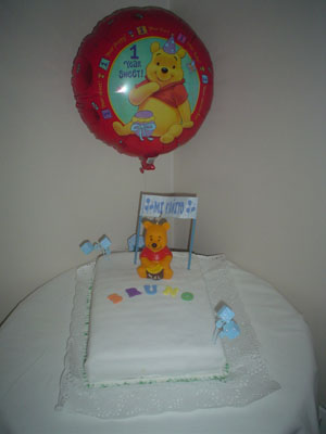 Torta Winie Poo con globo haciendo juego