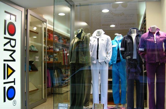 7bf8c711 Showroom de Formato ropa reportiva mayorista en Once