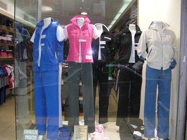 Showroom de Formato ropa reportiva mayorista en Once 0033861b33b58