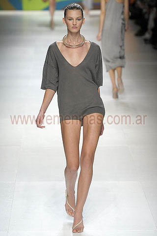 Prenda entera o mono short escote profundo Stella Mccartney