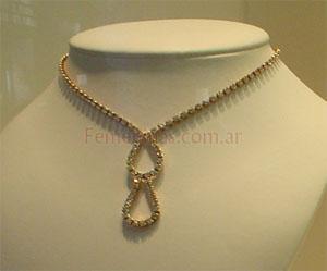 a59840b3ea7d Bijou Hermoso colgante enchapado en oro y piedras strass