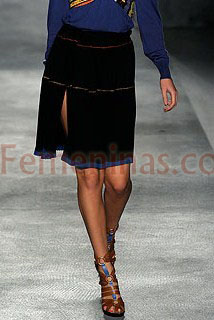 Falda negra con vivos y tajo Paul Smith Women