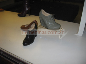 zapatos con plataforma color gris