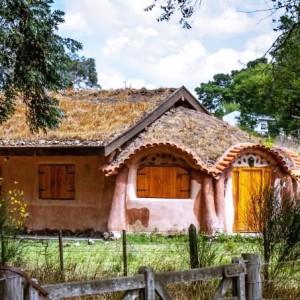Tandil promueve turismo sustentable con hostel ecológico