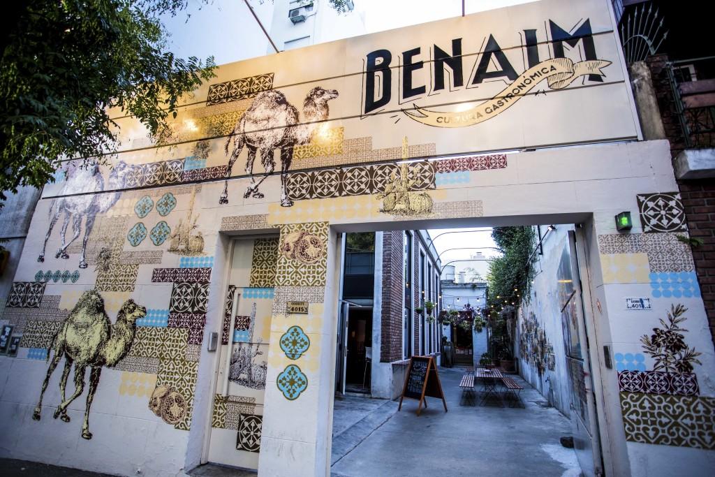 Hugo Macchia y BENAIM presentan Moros en la Costa