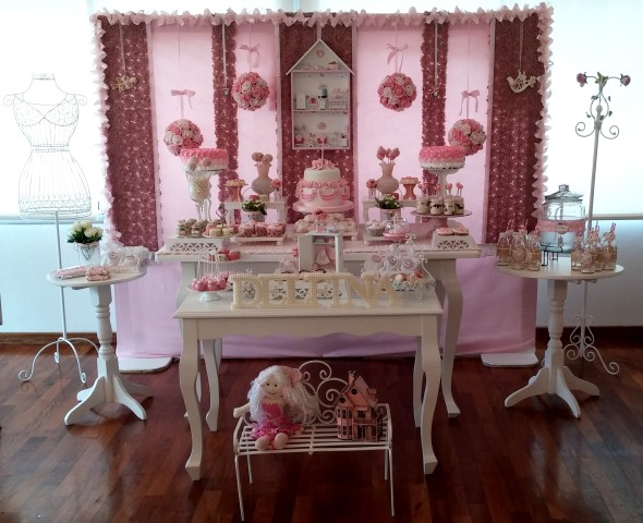 Le Petit Boutique Pastry presenta su propuesta de mesa dulce estilo shabby chic para nenas