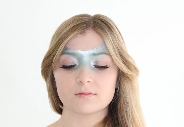 Azul Serenity: Maquillaje inspirado en el color del año