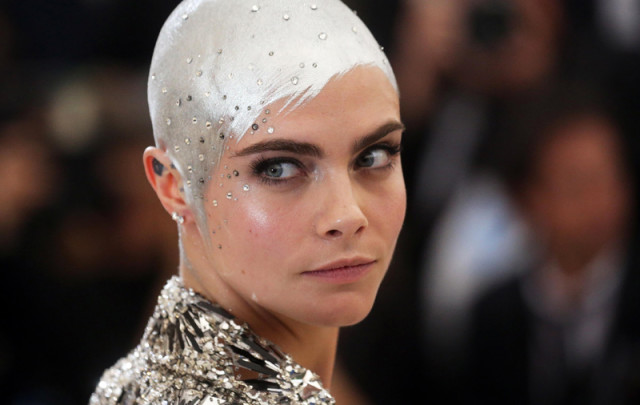 Head Painting: la moda de pintarse la cabeza rapada