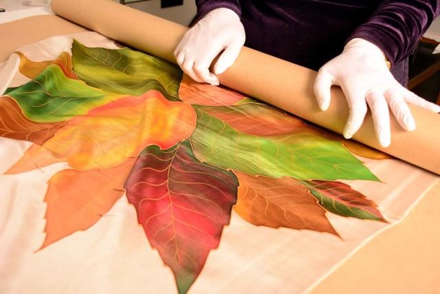 Pepitina Ruiz, arte plasmado en seda natural