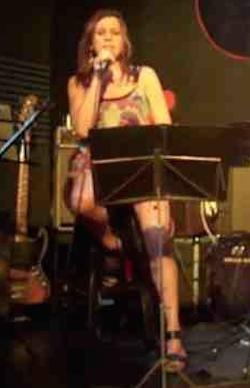 La exquisita voz de Nancy Fontana en Palermo